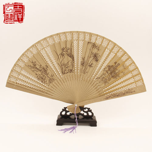 2 pieces Chinese Handmade Classical Sandal Wood Fragrant Hollow Folding Bamboo Fan flower patten(China (Mainland))