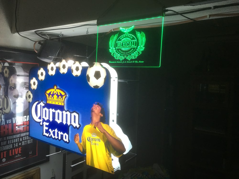 a048 Whiskey Bar Beer LED Neon Sign Plastic Crafts 7 Colors 4 Sizes on/off Switch