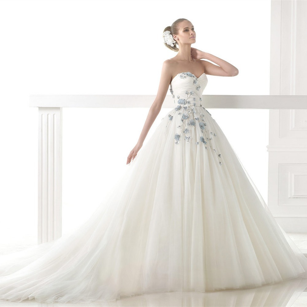 Buy elegant sweetheart vestido de noiva for Light blue and white wedding dresses