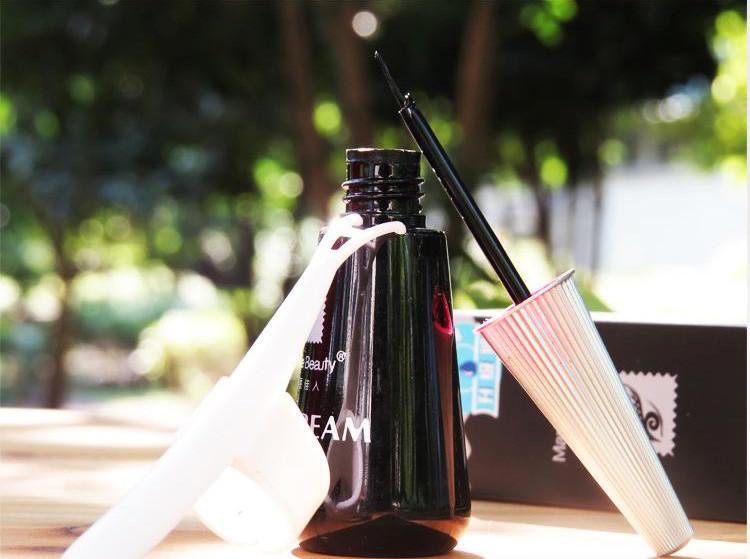 New Eyelash Adhesive Glue Waterproof Black 12ml Fashion Makeup Tool free shipping(China (Mainland))