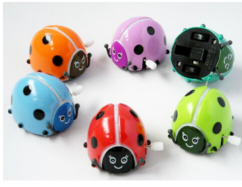 Colorful plastic cute Mini Beetle car toys wind up vintage clockwork toys spring funny plastic bettle for kids birthday gift(China (Mainland))