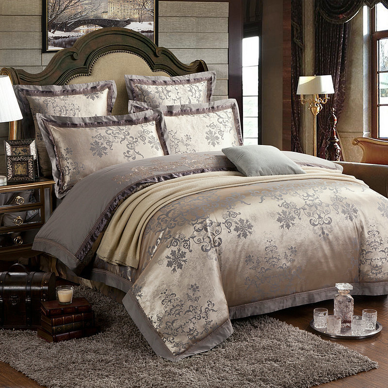 4 pcs luxury silk cotton jacquard king queen size wedding for Luxury cotton comforter sets