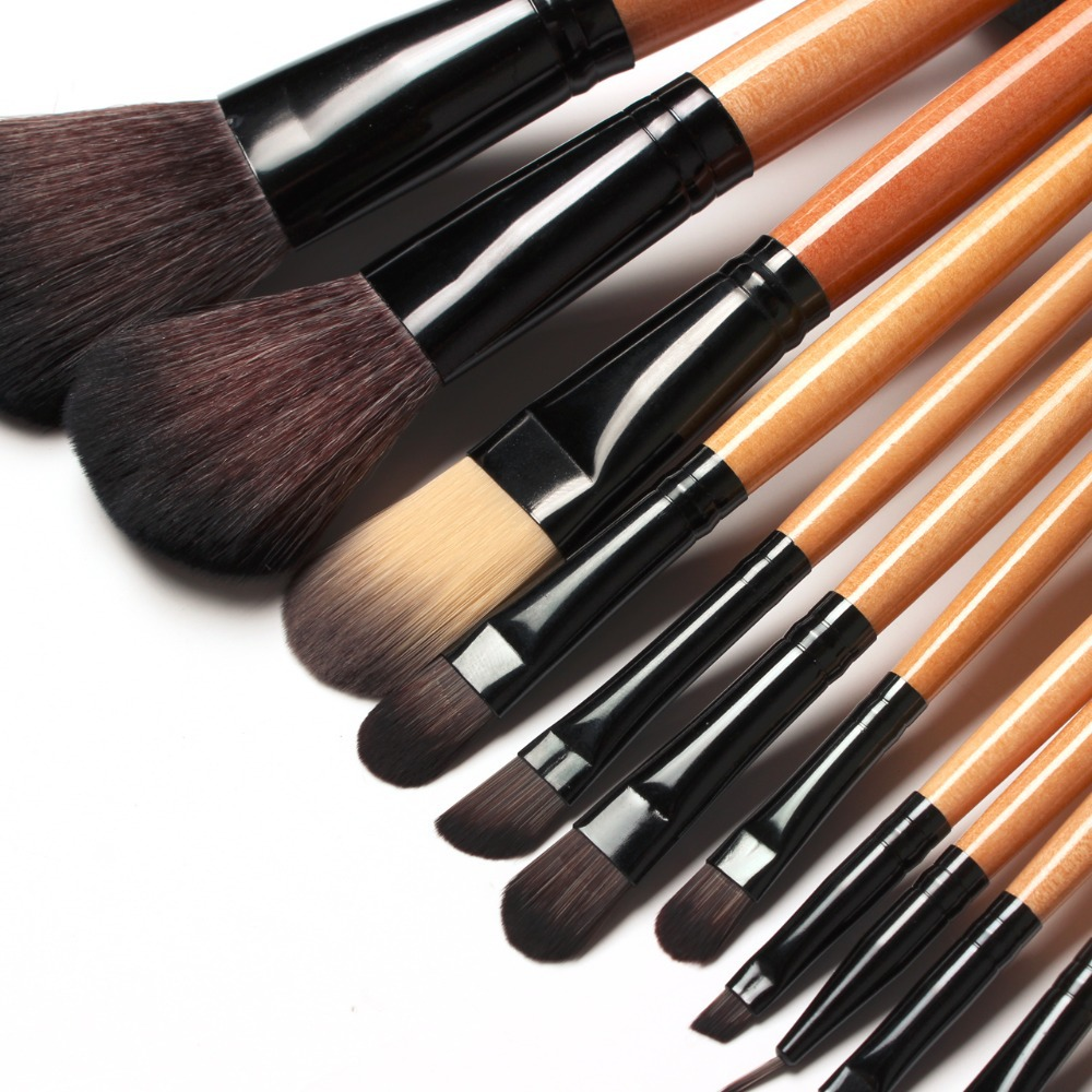 Free shipping !! 15 pcs Soft Synthetic Hair make up tools kit Cosmetic Beauty Makeup Brush Black Sets with Leather Case(China (Mainland))