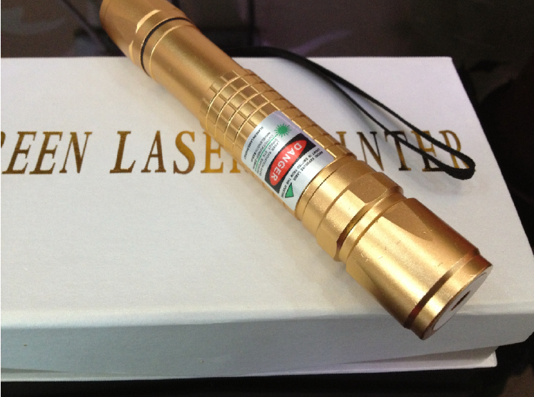 top laser pointer 10000mw 532nm high power laser pen 5in1 focus burn black match with charger and laser heads free shipping<br><br>Aliexpress