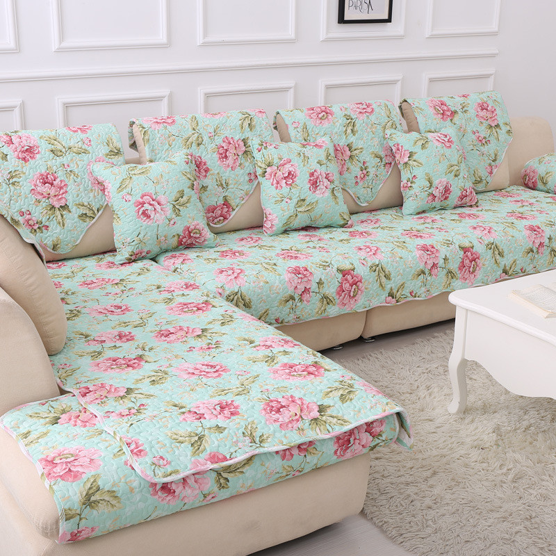 Print sofas with patterned fabric pictures to pin on - Forro para sofa ...