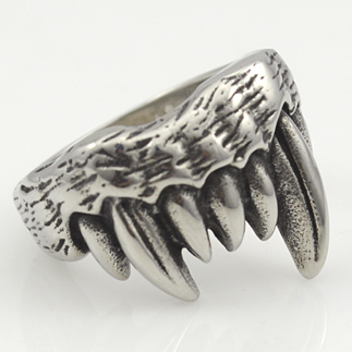 Cool Gothic Wolf Tooth Rings For Men Stainless Steel Cool Man Biker Style 2015 Jewelry Free Shipping WR298(China (Mainland))