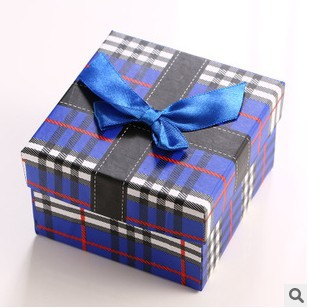 2015 new fashion Yiwu market 12pcs watch box  no logo paper gift watch box with pillow ,watch boxes for all brand and packaging