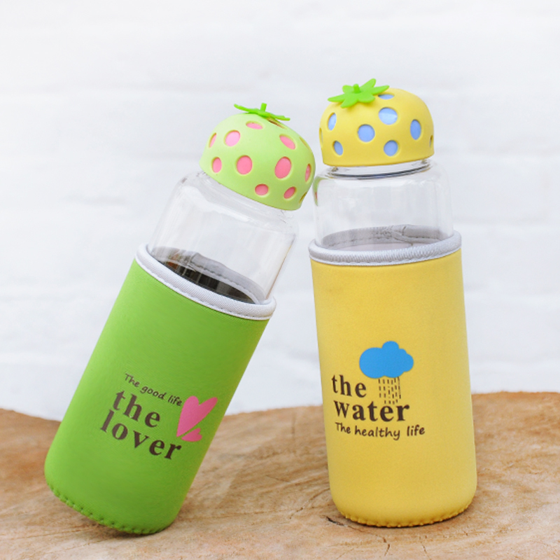 480ml JustLife Cute Lovely Strawberry Borosilicate Colored Clear Glass Water Bottle with Sleeve Silicone Cap for Girl Kids 16oz(China (Mainland))