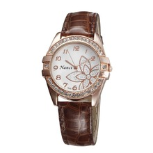 WH137 girl hour clock Exquisitely Flower New Fashion Jewelry Simulated Diamond Ladies PU Leather Quartz Wristwatches