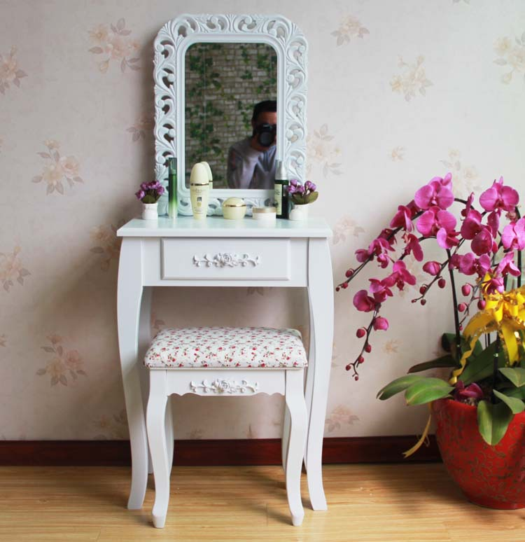 Queen Anne White Make Up Table Dresser Vanity Set Swivel Oval Mirror with Stool Wood Dresser With Dressing Table(China (Mainland))