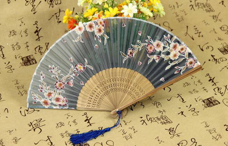 2016 New Hot Chinese Japanese Vintage Fancy Folding Fan Hand Plastic Lace Silk Flower Dance Fans Party Supplies For Gift(China (Mainland))