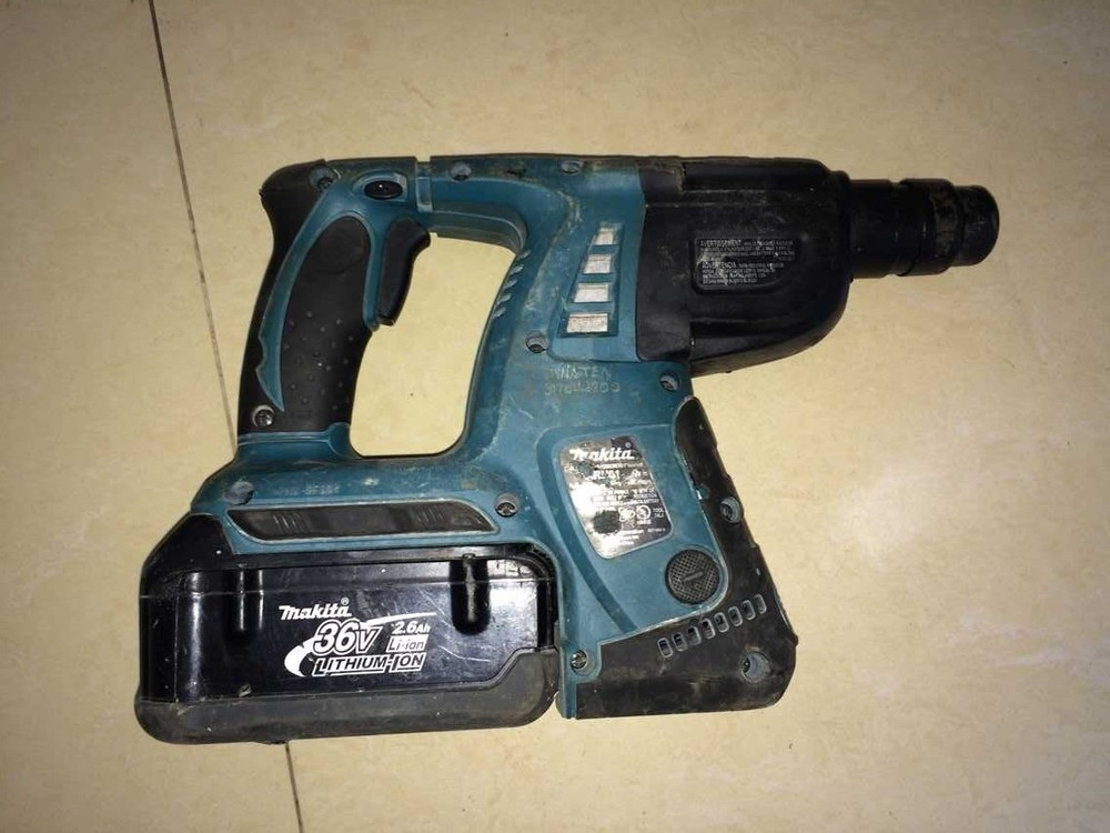 Makita HRH01 36V hammer drill lithium battery charge(China (Mainland))