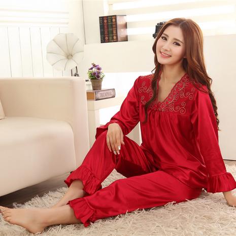 Красный шелк ночной рубашке вышитые мода женской одежды домой салон шелковая пижама ...
