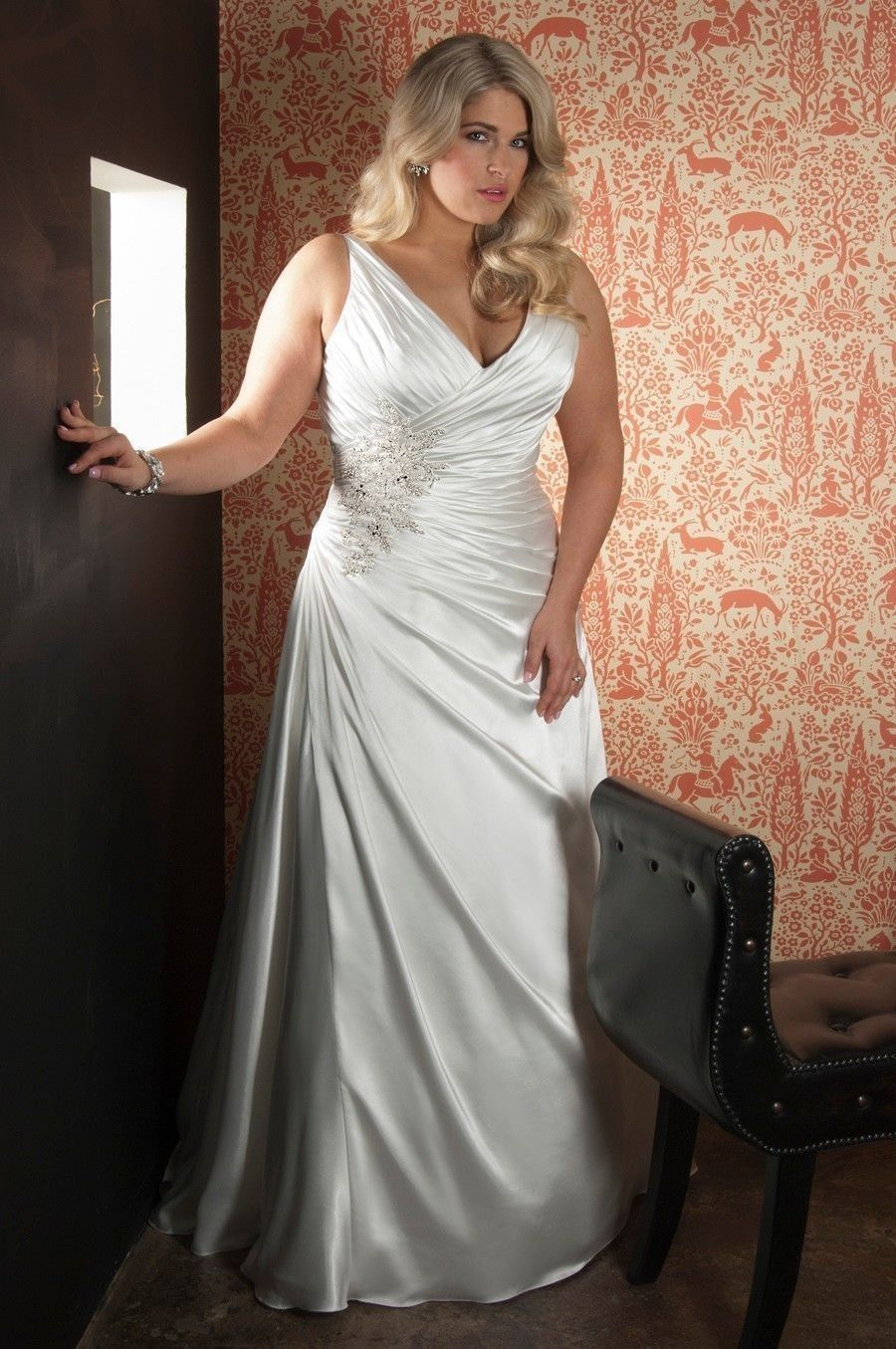 New arrival sexy plus size satin applique wedding dress for Plus size silk wedding dresses