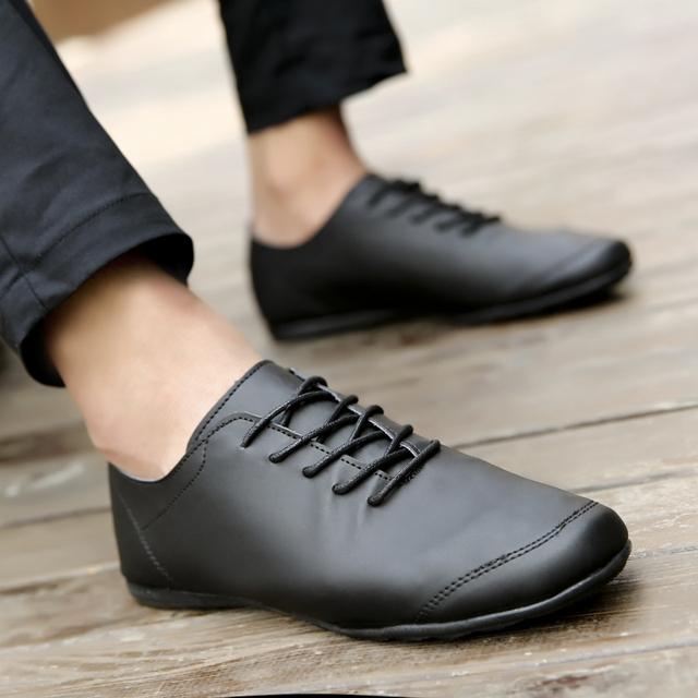 Весна Корейских мужчин квартиры обувь Британский тенденции моды кожаные плоские туфли ...