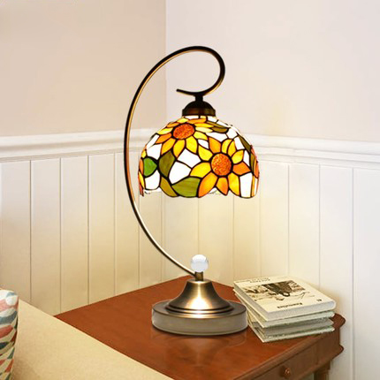 Pastoral retro desk lamp table lamp. Touch control dimmer reading lamp,Tiffany lamp for bedroom bedside /study / living room