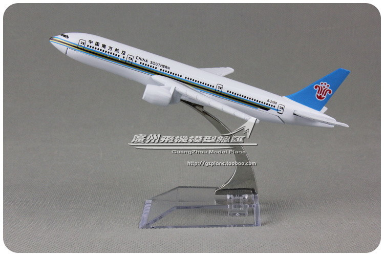 16cm Resin Air China Southern Airlines Airplane Model Boeing 777 B777 B-2058 Airways Plane Model Toy Free Shipping(China (Mainland))