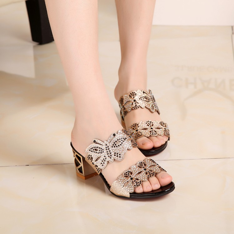 New 2016 Women Fashion Sandals Hollow Out Rhinestone Slip-on Med High Square Heel Slides Women Summer Sandals Big Size 34-40(China (Mainland))
