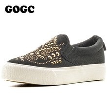 GOGC Studded Women Shoes Stud Canvas Shoes Women Causal Shoes Comfortable Thick Bottom Slip on Shoes for Women Slipony 2016 New