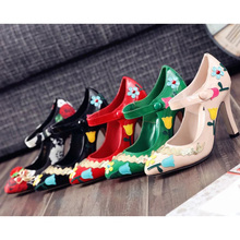 2016 Spring Women Patent Leather  Party Pumps Upper Buckle Brand Designer Sexy black Famous Flower High Heels Dress Shoes