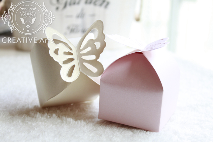 50Pcs Butterfly Candy Box DIY Folding Party Wedding Decoration Gift Paper Favors Boxes White/Pink for Wedding Decoration(China (Mainland))
