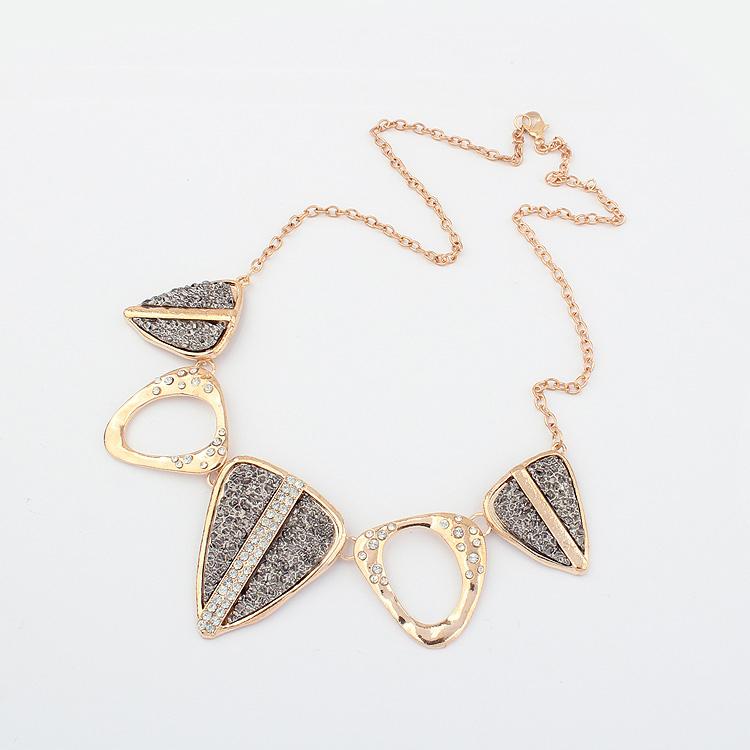 610 female fashion vintage punk triangle n