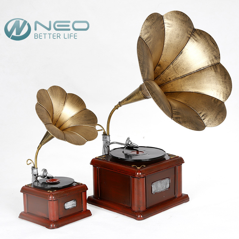 NEO Metal Retro Phonograph Model Vintage Record Player Prop Antique Gramophone Model Home Office Club Bar Decor Ornaments(China (Mainland))