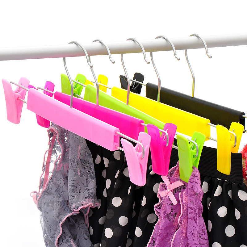 Free Shipping 5 pcs Baby Plastic Cheap Hangers For Clothes Pegs Coat Hanger Trousers Rack Outdoor Airing Supplies Perchas(China (Mainland))