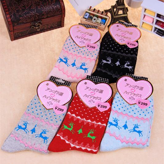 2016 hot Sale Fashion Christmas Dots Deer Design Womens Rabbit Wool Socks Warm Winter Cute Comfortable 5 Colors(China (Mainland))