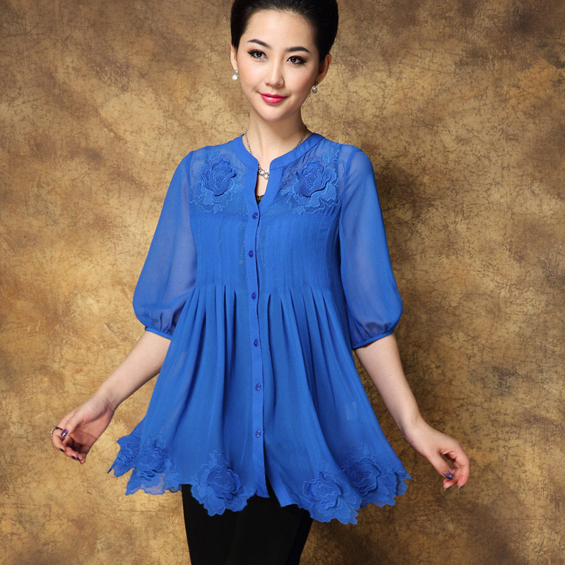 Chiffon blouse top women large size 2015 spring new Embroidered loose half sleeve Mother Dress ladys shirtsОдежда и ак�е��уары<br><br><br>Aliexpress