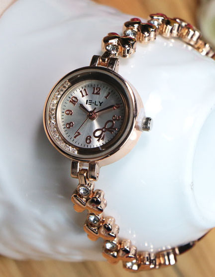 women fashion Casual Quartz Crystal watch Wrist watches Ladies dress watch hour clock bracelet watch(China (Mainland))