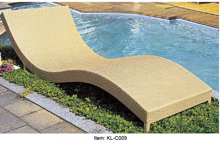 outdoor wicker daybed lounger 1