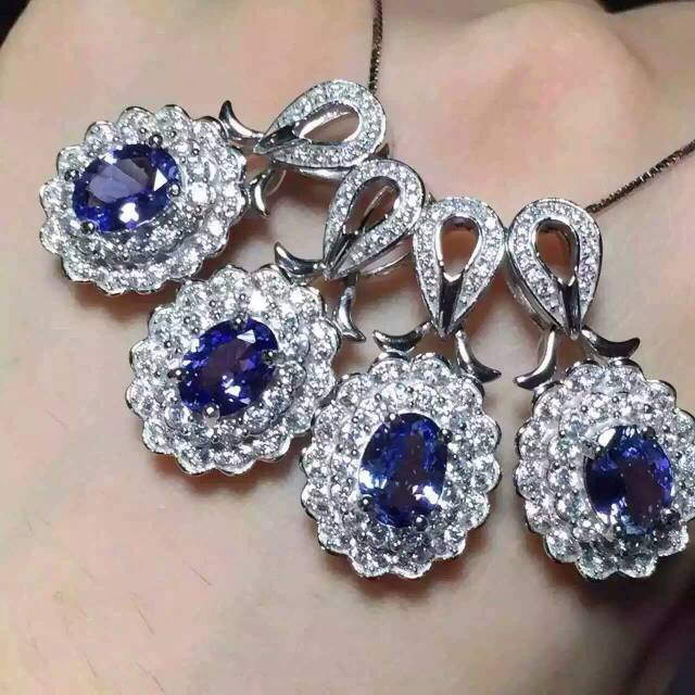 Fashion classic Luxurious natural tanzanite pendants 925 sterling silver natural stone pendant necklace for women party jewelry<br><br>Aliexpress
