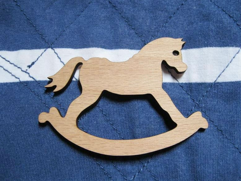 wholesale could be mix buying rockinghorse wooden brooch(China (Mainland))