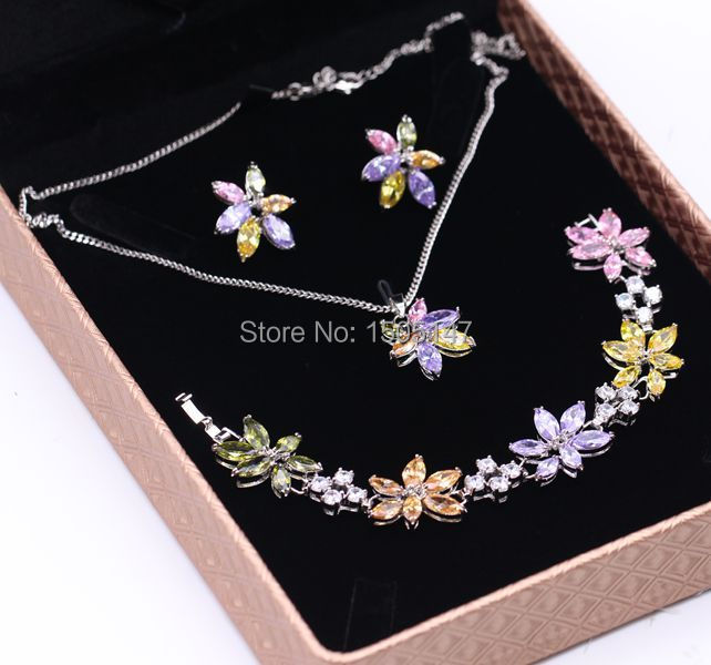 Gorgeous  Jewelry 18k Gold Plated Colorful Crystal AAA Cubic Zirconia  Flower Bracelet Earrings Ring Jewelry Sets 2colors