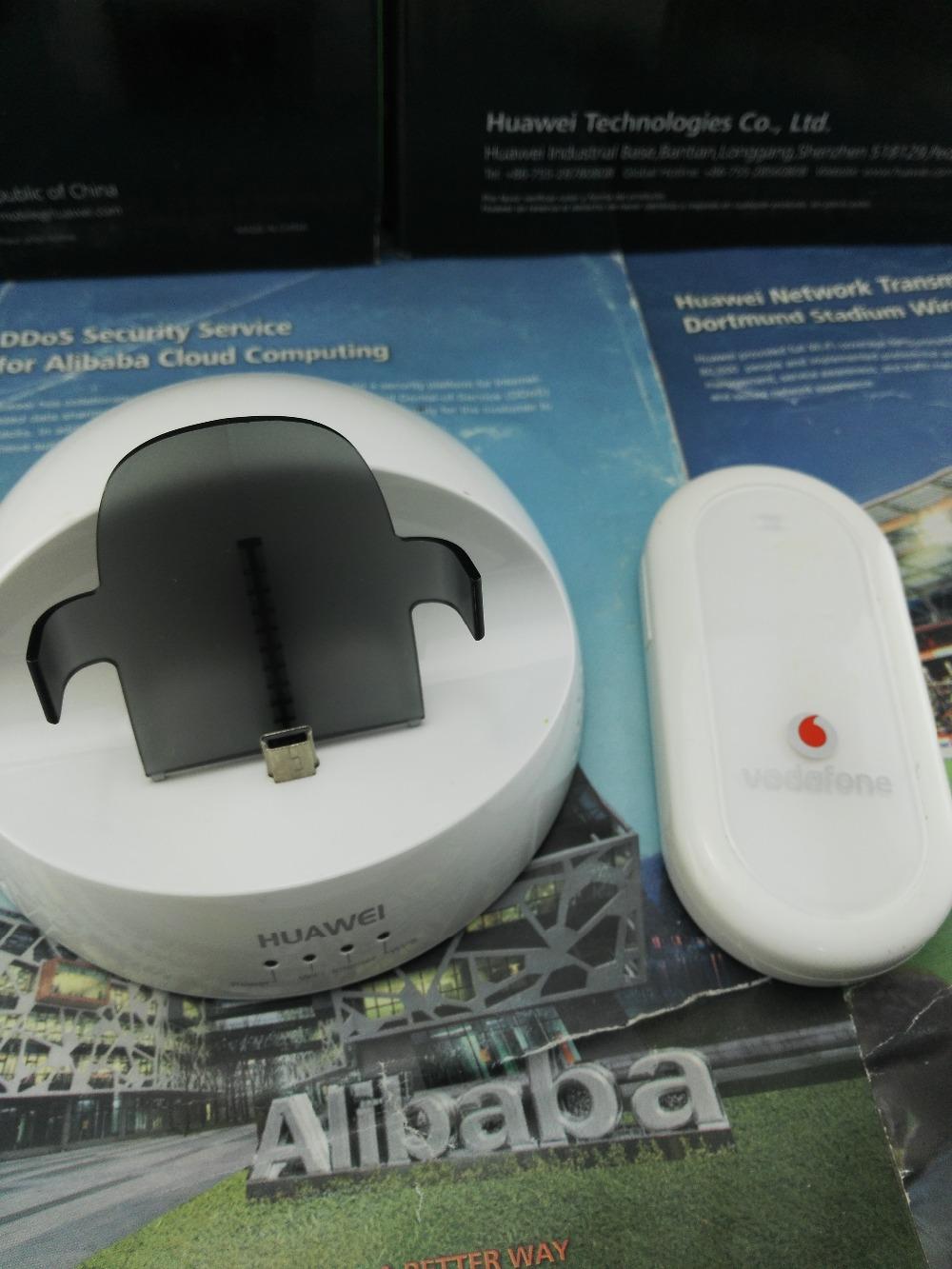 Huawei D108 Wireless Router Surf Station+HUAWEI E220,E216,E219 usb modem(choose one as you want)(China (Mainland))