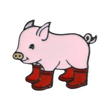 Super Lindo Bebê Porco! Três Cores Dos Desenhos Animados Rosa Animal Grunt Pig Em Botas De Chuva Galochas Duro Esmalte Broches Pinos Para Presentes(China)