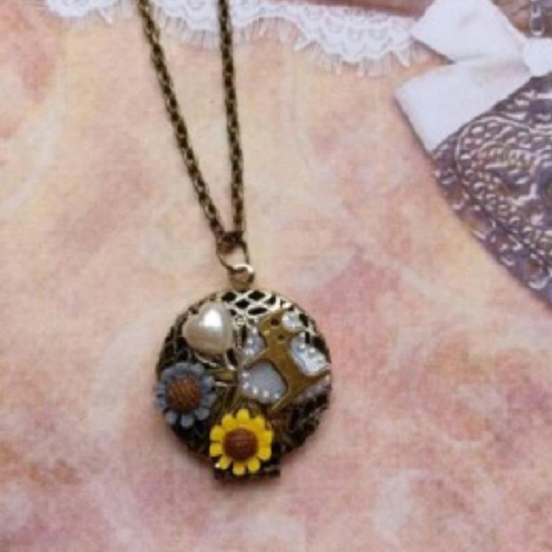 Women fine Jewelry Classic collares Europe retro kitty daisy flowers love hollow Necklace collier mujer accessories femme(China (Mainland))
