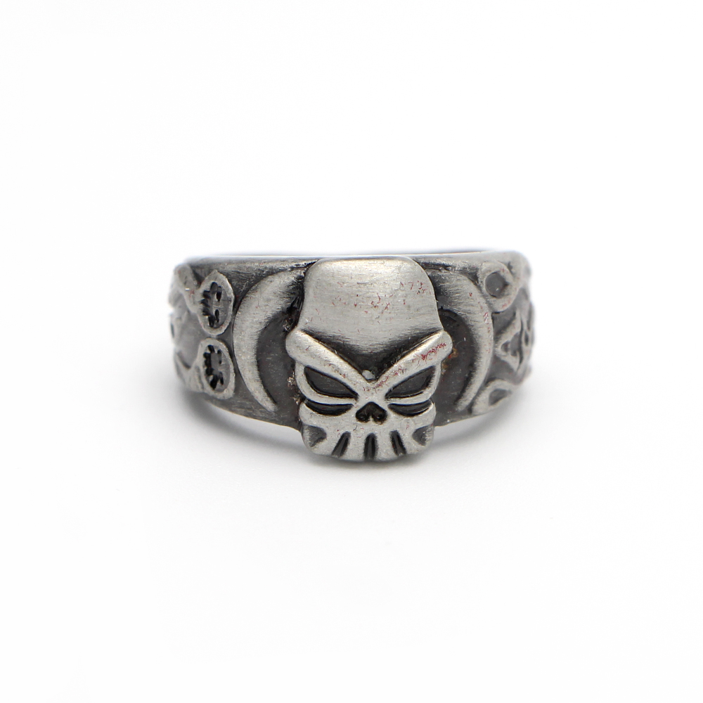 MF1441 One Piece Cosplay Wanted Whitebeard Pirates Portgas D Ace Skull Heads Ring Bague(China (Mainland))