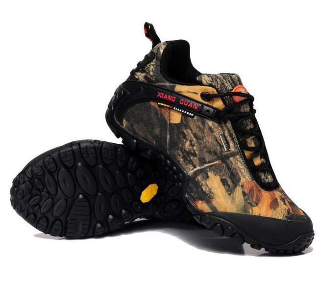 LOW Bionic camouflage hunting boots Birdwatching camouflage shoes Breathable waterproof hunting boots(China (Mainland))