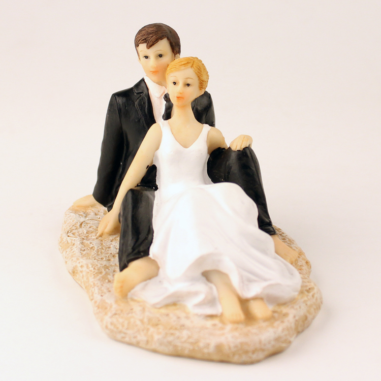 Retail Free Shipping Couple Wedding Cake Topper Resin European Event & Party Supplies Bride And Groom Cake Topper(China (Mainland))