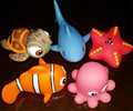 2pcs lot Lovely Mixed Animals Colorful Soft Rubber Float Squeeze Water spray Bathing Toys For Baby