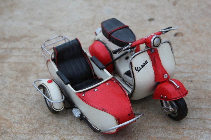 Handmade Antique Metal VESPA Scooter Three Motorcycle Model Handmade Retro Motorcycle Home Decor Model(China (Mainland))