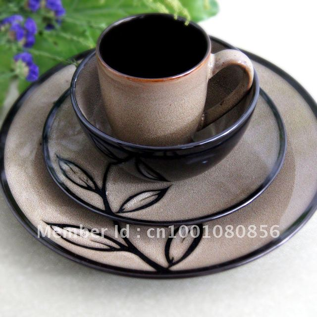 """4 piece handpainted round tableware sets,including 710ml soup bowl/mug,11.4"""" dinner plate and 8.3"""" salad plate"""
