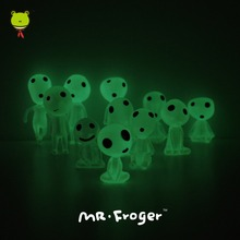 Mr.Froger Alien Figure Studio Ghibli Toys Mononoke Figurine Anime Figure Fluorescent Light Up Toys For Children Luminous Cartoon(China (Mainland))