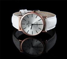 Nuevo llega el 2015 reloj de lujo hombre V6 ronda de cuarzo Dial cuero moda para mujer del reloj de hombre alta calidad ver mujeres