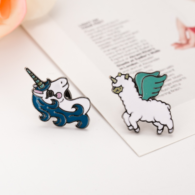 Free Shipping Cartoon Cute Animal horse Brooch Pins Button Pin Jeans Bag Clothes Decoration For Women Girl Gift Fashion Jewelry(China (Mainland))