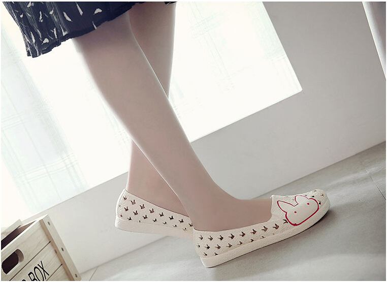 2016 Summer Wedges Women Clogs Beach White Nurse Shoes Female Super Soft Nest Hole Mother Shoes Casual Work Mules(China (Mainland))