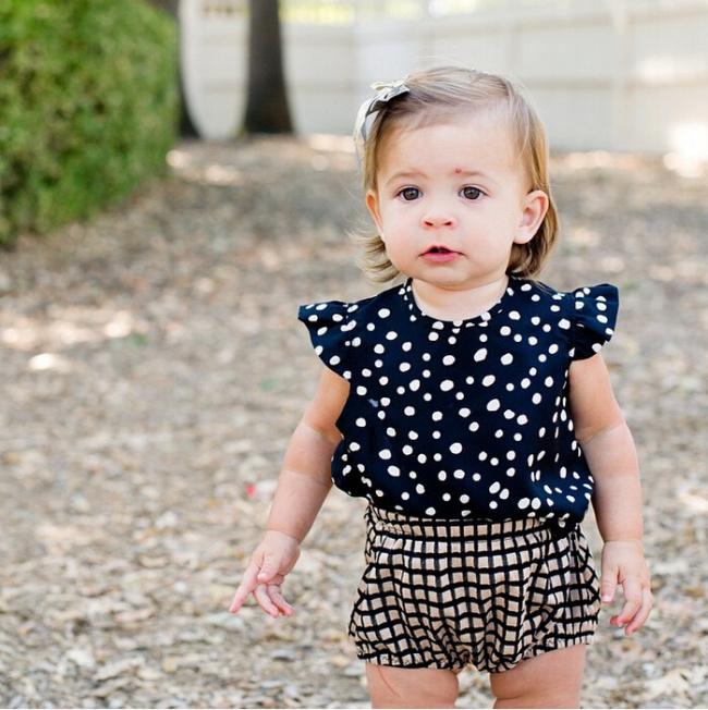 2 Pcs Baby Girls Summer Clothing Sets Toddlers Classic Polka Dots T-Shirt + Plaid Short Pants Infant Girls Urban Leisure Clothes(China (Mainland))
