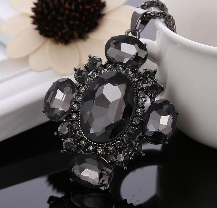 News charm women black crystal pendants necklace Girl charm women Pendants Long Necklace Sweater Chain collier Women(China (Mainland))